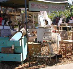 Chateau De Fleurs: Once Again It's Countdown Time for Our Vintage Marketplace !