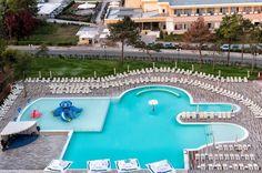 Wonderful place - Hotel Mera Resort Venus. www.haisitu.ro Wonderful Places, Venus, Hotels, Outdoor Decor, Venus Symbol