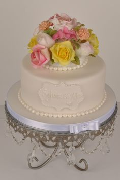 A Vanilla and Passionfruit Wedding cake with sugar florals. Cakepops, Beautiful Cakes, Amazing Cakes, Florals, Wedding Cakes, Vanilla, Sugar, Desserts, Food