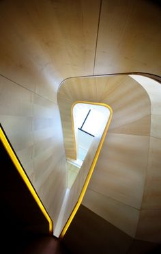 The Golden Box / K2Ld Architects   Triangular staircase