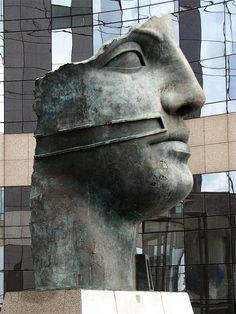 Tindaro by Igor Mitoraj, Puteaux, La Défense, Paris,