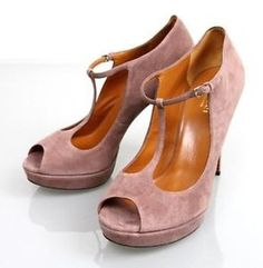 Gucci Betty Rose Pumps. Get the must-have pumps of this season! These Gucci Betty Rose Pumps are a top 10 member favorite on Tradesy. Save on yours before they're sold out!