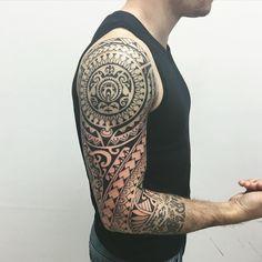 Feita em 5 sessões estendidas. Faixa no antebraço ele ja tinha. #maoritattoo #maori #polynesian #tattoomaori #polynesiantattoos #polynesiantattoo #polynesia #tattoo #tatuagem #tattoos #blackart #blackwork #polynesiantattoos #marquesantattoo #tribal #guteixeiratattoo #goodlucktattoo #tribaltattooers #tattoo2me #inspirationtatto  #tiki #tikitattoo #turtle #ohana