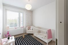 Tyttövauvan ihanan hempeä makuuhuone Cribs, Toddler Bed, Furniture, Home Decor, Cots, Child Bed, Decoration Home, Bassinet, Room Decor