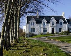 Kinloch Lodge,Isle of Skye Scotland IV43 8QY Tel: 44 1471 833 333 reservations @kinoloch-lodge.co.u Sitting pretty on the shores of the sea loch Na Dal, Kinloch Lodge is the Highland base of Godfrey, Lord Macdonald, high chief of Clan Donald, and portraits of assorted Macdonalds down the ages line the walls in this well-padded country home. The 14 spacious bedrooms are split equally between the North house and the more recently built South house.