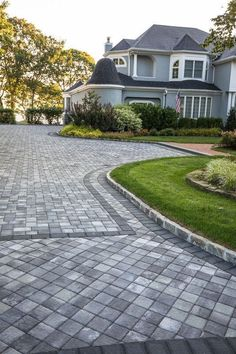 Popular Driveway Landscaping Design For Your Pretty Garden - front yard ideas modern Stone Driveway, Driveway Design, Paver Walkway, Driveway Landscaping, Modern Landscaping, Patio Design, Driveway Pavers, Landscaping Ideas, Front Garden Ideas Driveway