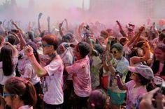 Bahagia dan Ceria di Color Run Jakarta