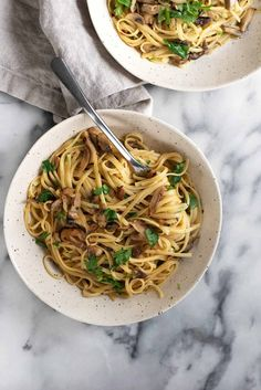Linguine with Shiitake Wine Sauce! You can't believe this pasta is vegan, super creamy with a trick to making glossy, delicious pasta. Vegetarian Pasta Recipes, Vegan Pasta, Veggie Recipes, Soup Recipes, Cooking Recipes, Healthy Recipes, Veggie Food, Cooking Tips, Healthy Meals