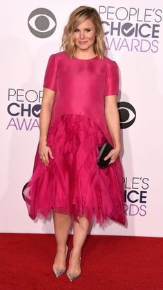 Kristen Bell stuns on PCAs red carpet just 3 weeks after giving birth via @stylelist | http://aol.it/1AMAlho