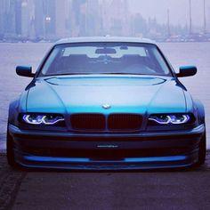 BMW E39 M5 blue widebody slammed