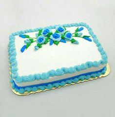 Online write your name on best Birthday Flowers Cake picture in seconds. Make your birthday awesome with new happy birthday cake wishes Birthday Sheet Cakes, Happy Birthday Cakes, Creative Cake Decorating, Birthday Cake Decorating, Decorating Ideas, Pastel Rectangular, Sheet Cakes Decorated, Birthday Cake For Boyfriend, Sheet Cake Designs