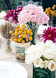 Billy balls in old tea tins Tin Flowers, Happy Flowers, Types Of Flowers, Beautiful Flowers, Yellow Flowers, White Centerpiece, Flower Centerpieces, Table Centerpieces, Wedding Reception Flowers