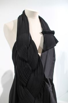 Yohji Yamamoto -- s/s 2005 __ photo by Susanna Lau at the V Museum's YY retrospective