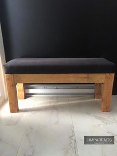 Banc D'entrée en bois recyclé #LesImparfaits Entryway Bench, Dining Bench, Decoration, Furniture, Home Decor, Recycled Wood, Good Ideas, Lawn And Garden, Home Ideas
