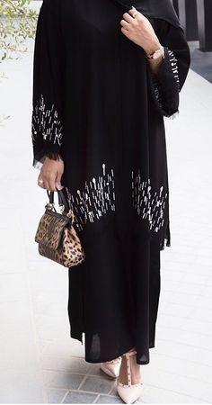 Abaya Fashion, Muslim Fashion, Modest Fashion, Fashion Dresses, Wedding Abaya, Dress Wedding, Modern Abaya, Hijab Style Tutorial, Modele Hijab
