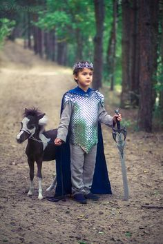 medieval prince royal family with minihorse pony Medieval, Pony, Prince, Cosplay, Fantasy, Character, Pony Horse, Mid Century, Ponies