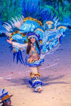 Swirls, girls, and feathers. Celebration Around The World, Around The World In 80 Days, Festivals Around The World, Beauty Around The World, Carnival Girl, Parks, Kinds Of Dance, Festival Costumes, World Of Color