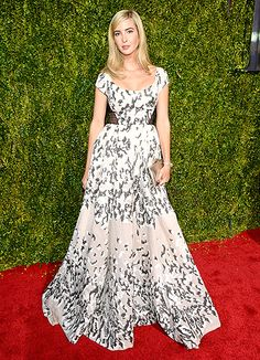 Dreamy! Bosslady Ivanka Trump turned it out in a black, white, and gray dress with peekaboo side panels.
