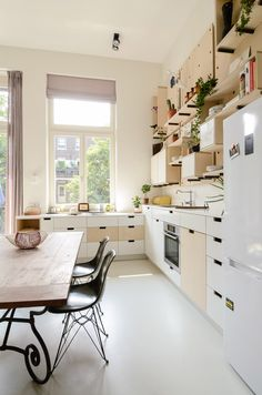The project turned an early-20th-century school in Amsterdam into a series of apartments.