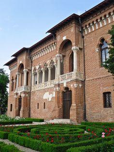 Mogosoaia Palace | Flickr: Intercambio de fotos Romanian Castles, Romania Travel, Carpathian Mountains, Bucharest Romania, Palaces, Homeland, Old Houses, Countryside, Dan