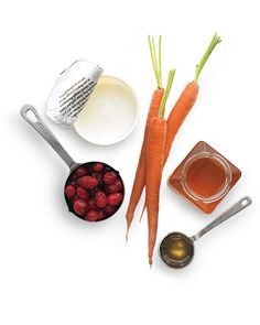 DIY Color Booster for Redheads    Carrots and berries boost red tresses. The yogurt's lactic acid helps the coloring antioxidants in the berries and carrots get past the surface of your locks -- so they really seep in. Honey, a natural humectant, hydrates the hair.