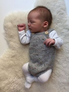 Diy Crafts - Ravelry: Little Brother's Romper pattern by PetiteKnit Knitting For Kids, Baby Knitting Patterns, Baby Patterns, Free Knitting, Knitted Baby Clothes, Knitted Romper, Baby Barn, Little Brothers, Romper Pattern
