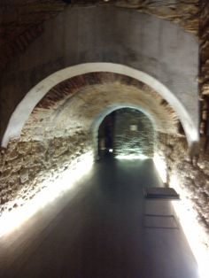 O #CRIPTOPÓRTICO del Museu Nacional Machado de Castro em #Coimbra, O criptopórtico de Emínio,antiguo nombre romano de la ciudad de #Coimbra , foi construído sob o fórum da cidade para vencer o desnível do terreno