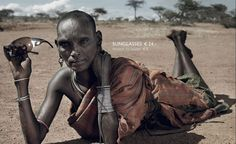 Tirinti Letonginei, donna di etnia Samburu, posa per la campagna Small change, big difference.