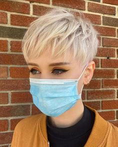 Short Blonde Pixie, Short Grey Hair, Short Hair Cuts For Women, Very Short Pixie Cuts, Women Pixie Cut, Blonde Pixie Haircut, Edgy Pixie, Pixie Haircut Styles, Hair Styles