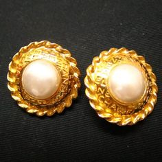 Tip: Chanel Jewelry (Ivory)