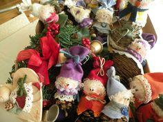 decorazione natalizia - bamboline pigna