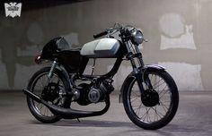 kinda miss mopeds a little bit cafe'd 70s Peugeot TSA #moped