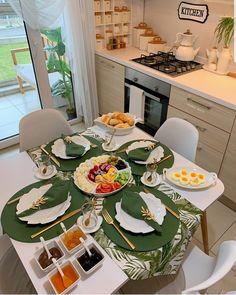 Eid Breakfast, Gourmet Breakfast, Dinning Etiquette, Food Set Up, Ramadan Decorations, Food Platters, Deco Table, Decoration Table, Food Presentation