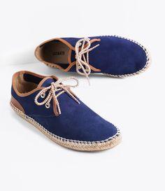 Sapato feminino  Material: Camurça  Espadrille  Marca: Satinato       COLEÇÃO INVERNO 2016       Veja outras opções de    sapatos femininos.          Sobre a marca Satinato     A Satinato possui uma coleção de sapatos, bolsas e acessórios cheios de tendências de moda. 90% dos seus produtos são em couro. A principal característica dos Sapatos Santinato são o conforto, moda e qualidade! Com diferentes opções e estilos de sapatos, bolsas e acessórios. A Satinato também oferece para as…