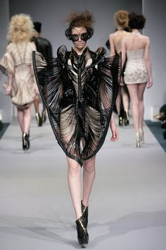 Sculptural Fashion - 3D fashion design; structured dress form with dramatic symmetry; tactile patterns; wearable art // Synesthesia: Iris van Herpen