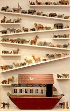 00 Noah's Ark, love 🙂 future kids room idea just… – Noahs Arche, Liebe 🙂 Zukunft Kinderzimmer Idee nur … – Church Nursery, Displaying Collections, Sunday School, Vintage Toys, Antique Toys, Kids Bedroom, Master Bedrooms, Baby Room, House