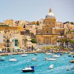 By you've probably noticed that I have a thing for #unesco sites :) There are several cruise lines that include the tiny-perfect and elegant city of #Valletta on the island of #Malta (its a UNESCO World Heritage Site). But don't be fooled, there's a ton of things to see here.
