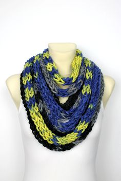Chunky Winter Scarf - Knitted Snood - Knitted Cowl Shawl - Chunky Chain Scarf - Womens Knit Infinity - Knit Rope Scarf - Finger Knit Scarf