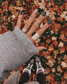 Semi-permanent varnish, false nails, patches: which manicure to choose? - My Nails White Nail Art, White Nails, Pink Nails, Glitter Nails, Ongles Or Rose, Nail Polish Online, Gel Polish, Nagel Hacks, White Nail Designs