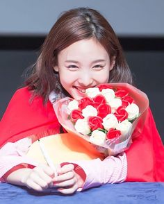 Lovely Twice Photo Part 116 - Visit to See More Pins - OnceBlink Kpop Girl Groups, Korean Girl Groups, Kpop Girls, K Pop, Twice Jyp, Twice Korean, Intelligent Women, Nayeon Twice, Im Nayeon