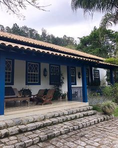 Precious Tips for Outdoor Gardens - Modern Porch And Terrace, Patio, Rest House, My House, Village House Design, House Of Beauty, Country Lifestyle, Spanish House, House Painting