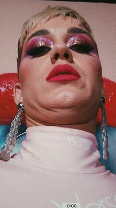 Katy Perry Costume, Skip Marley, Katy Perry Pictures, League Memes, Celebrity Stars, Cartoon Profile Pics, Orlando Bloom, Teenage Dream, Female Singers
