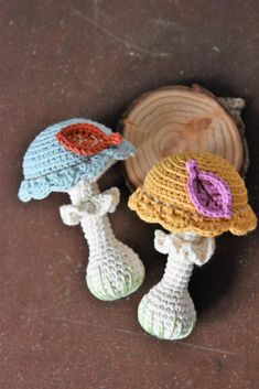 Amigurumi pattern - crochet mushroom rattle for babies Christmas Knitting Patterns, Crochet Toys Patterns, Amigurumi Patterns, Stuffed Toys Patterns, Crochet Food, Crochet Yarn, Crochet Flowers, Crochet Mushroom, Mushroom Hat