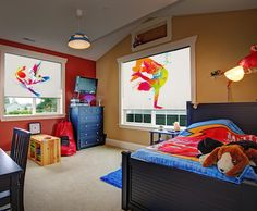 Pokój młodzieżwoy wymaga odpowiedniej oprawy. Rolety okienne deKEA
