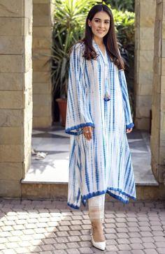Pakistani Fashion Party Wear, Indian Fashion Dresses, Indian Designer Outfits, Pakistani Outfits, Kaftan Designs, Kurta Designs Women, Simple Pakistani Dresses, Pakistani Dress Design, Stylish Dresses For Girls