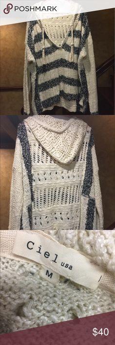 Women's thin sweater hoodie oversized Comfy Oversized sweater hoodie size M but very big. Goes great with leggings. Just throw it on after the gym or be comfy at the campfire. Worn once ciel Tops Sweatshirts & Hoodies