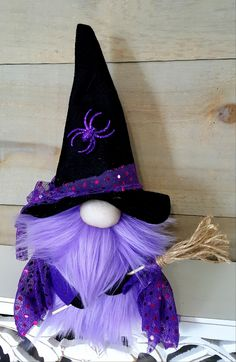 I am in loooove with making these fab Halloween gnomes! Yes it certainly comes with the cute handmade broom Halloween Doll, Holidays Halloween, Halloween Crafts, Adornos Halloween, Scandinavian Gnomes, Christmas Gnome, Fall Crafts, Shadow Box, Hogwarts
