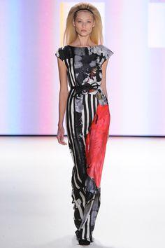 Lilogi.com - Top Runway picks, Carolina Herrera, fall 2012 ready-to-wear Runway, NYFW, prints, stripes, floral, red