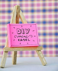 Cool DIY Ideas for Fun and Easy Crafts - Easy Craft Projects - DIY Mini Easel Makes Fun DIY Room Decor Idea - Awesome Pinterest DIYs that Are Not Impossible To Make - Creative Do It Yourself Craft Projects for Adults, Teens and Tweens. http://diyprojectsforteens.com/fun-crafts-pinterest