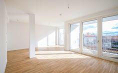Guardian - Bezugsfertige Neubauwohnung mit bodentiefen Fenstern und Balkon